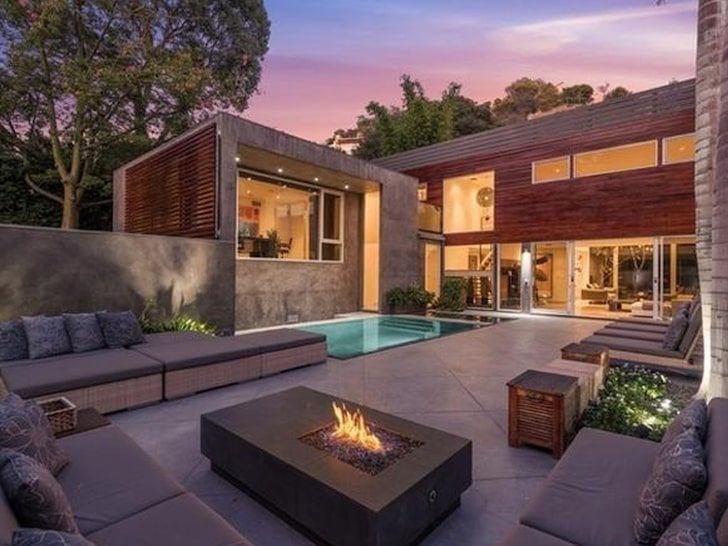 Alex Rodriguez Unloads Hollywood Hills Bachelor Pad for $4.4 Million