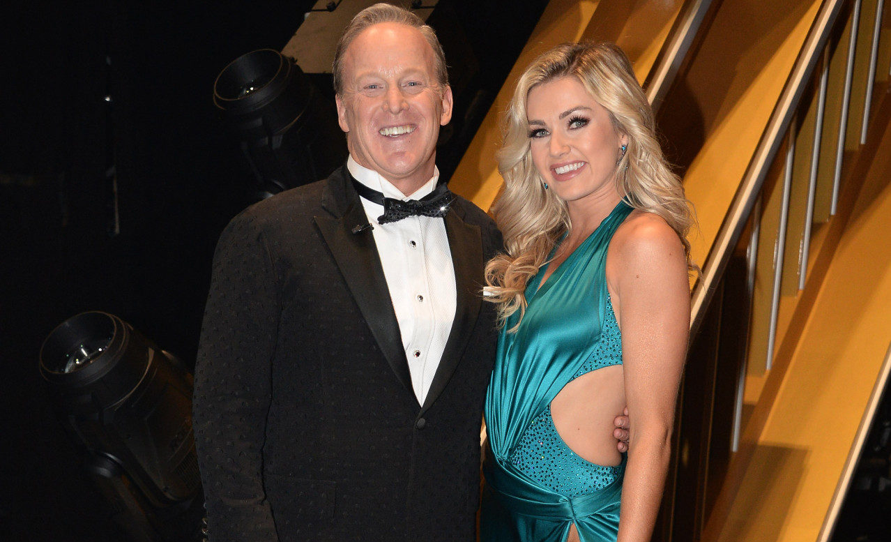 Sean Spicer says Trump complimented his 'Dancing with the Stars' weight loss