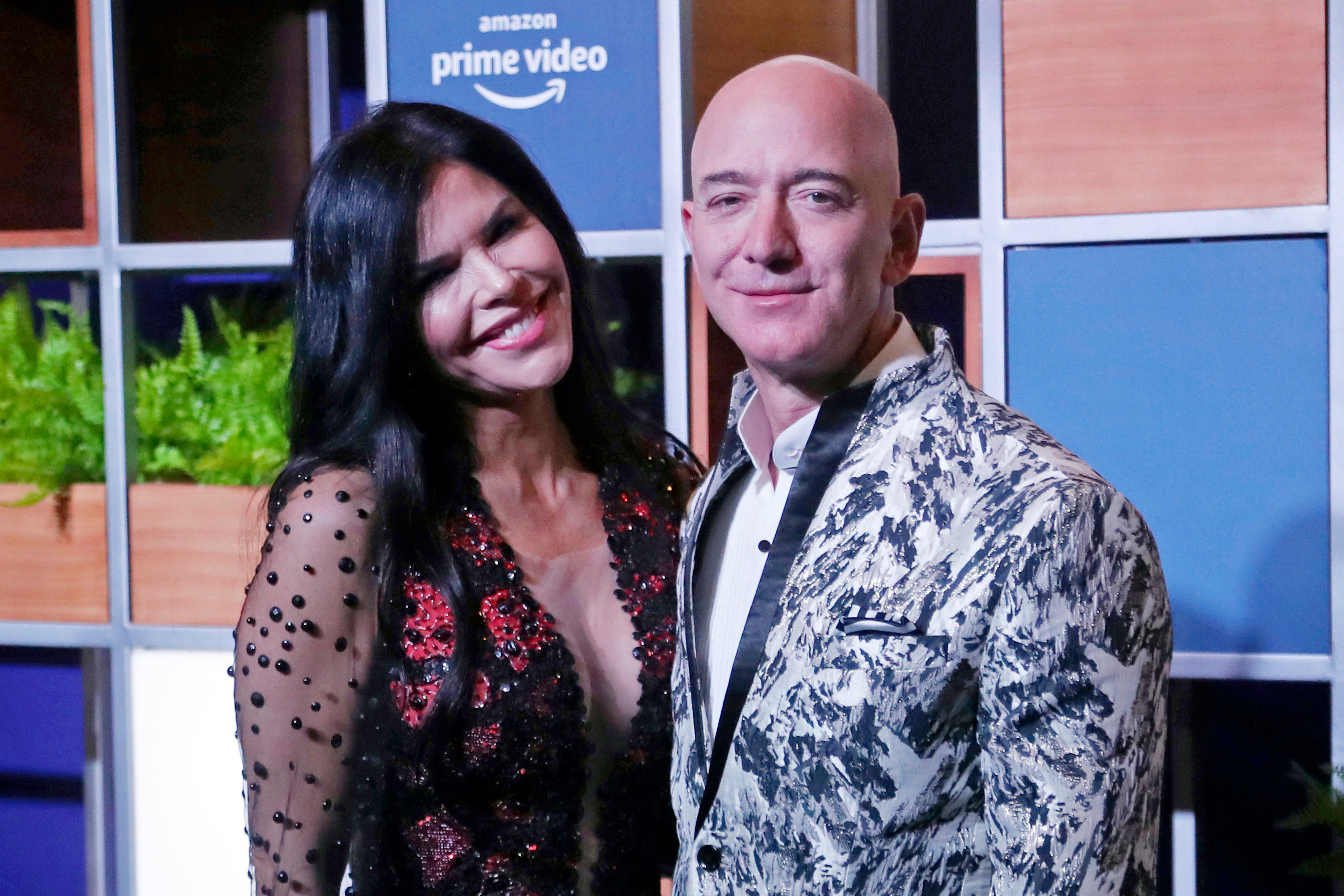 Brother of Jeff Bezos girlfriend attacked by man screaming 'f**k you' just days after filing lawsuit against Amazon boss