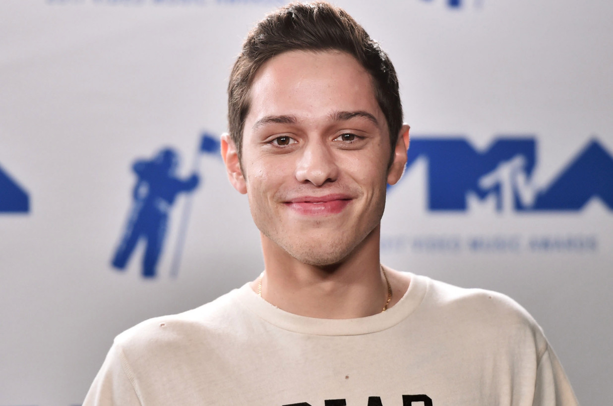 Pete Davidson absent from 'SNL' after controversial interview